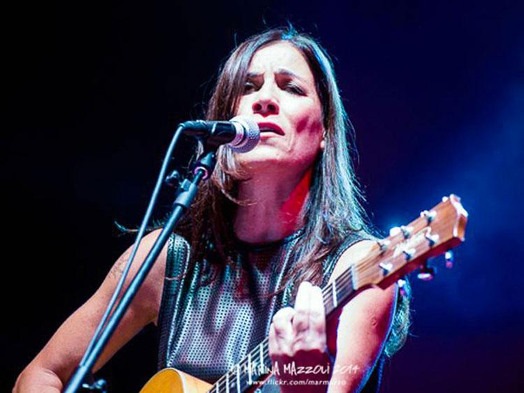 Acoustic-Guitar-Village---Paola-Turci