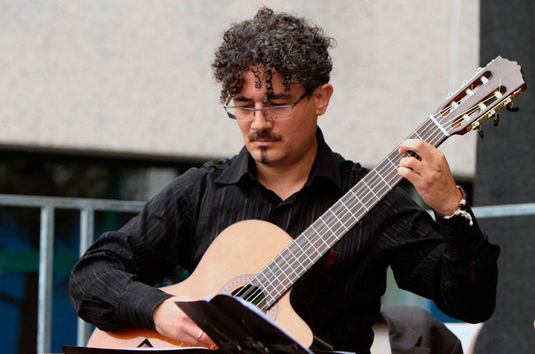 Antonio-D'Alessandro-a-Cremona-Mondomusica_fotoAngeloLegari