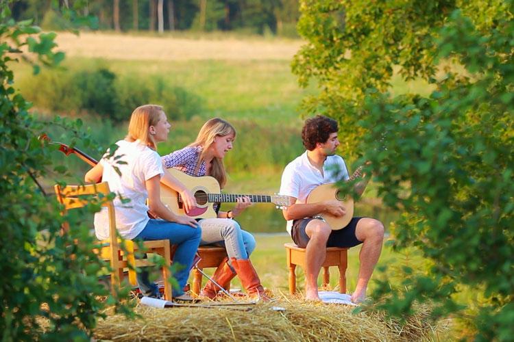 Camilla-conti-con-gli-Harvest-Home_1