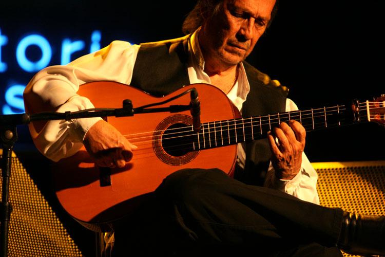 Paco de Lucía (foto di Alberto Cabello, 2010)