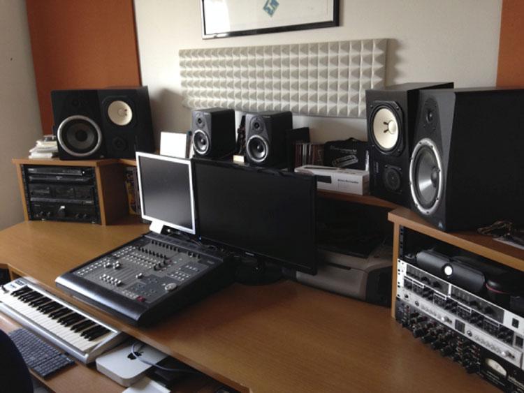 Musicisti in Trincea - Studio