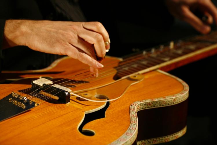 Indian_Guitar