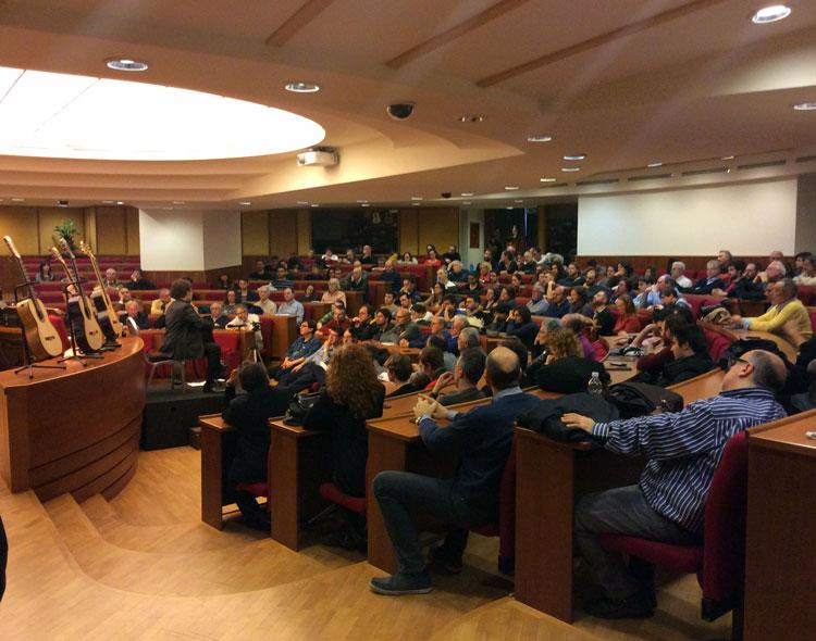 L'auditorium durante la conferenza di Bruno Giuffredi
