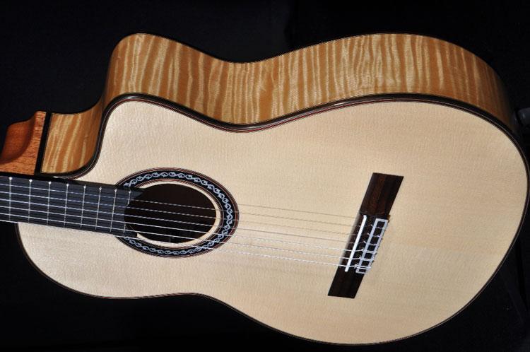 ss0101-cordoba-gk-pro-nylon-flamenco-ac-el-maple-guitar-w-hardshell